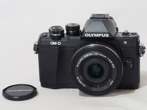 OM-D E-M10マークII14-42キットBLK【中古】(B:670)