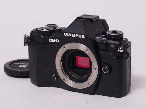 OM-D E-M5Mark II ブラック【中古】(B:303)